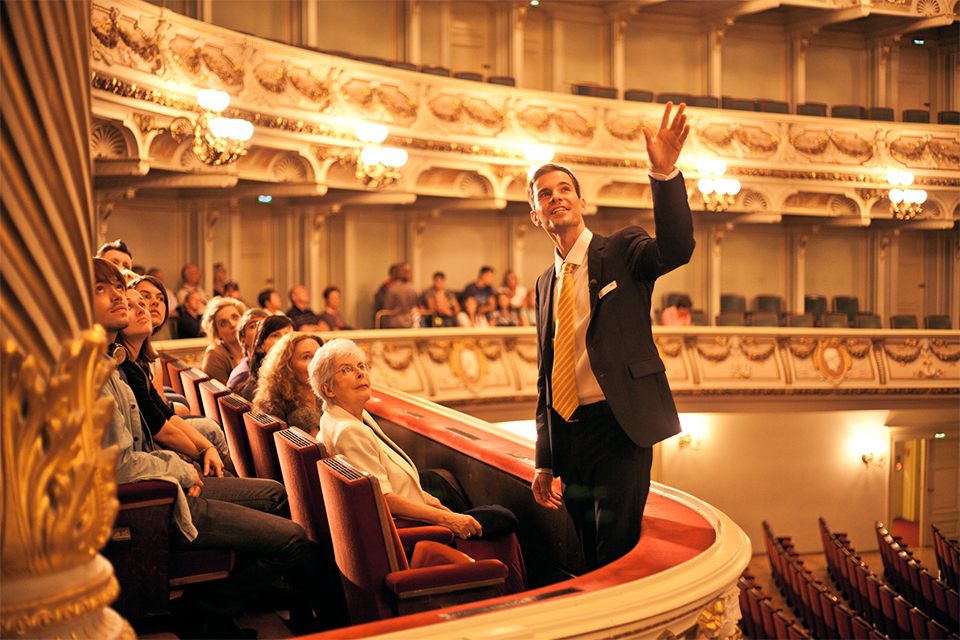Guided tours through the Semperoper